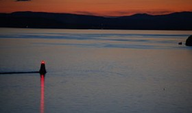 300px-Sunset_on_Lake_Champlain_from_Burlington,_VT
