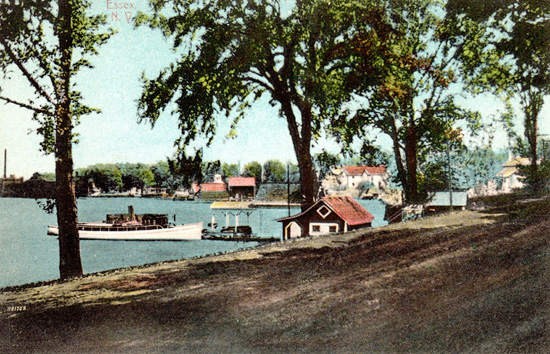 Rosslyn Bathhouse and Boat House (Contributed by Shirley LaForest)