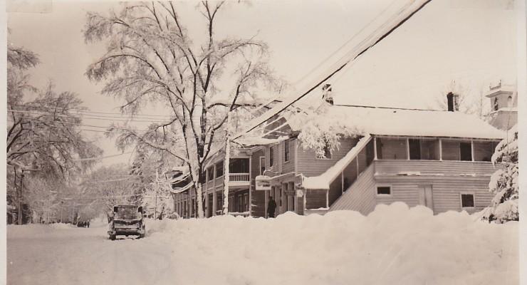 Snowy Main Street & Essex Inn (Credit: Unknown; Shared by Susie Drinkwine)